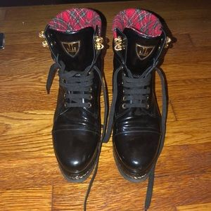 Shoes - Black platform high tops